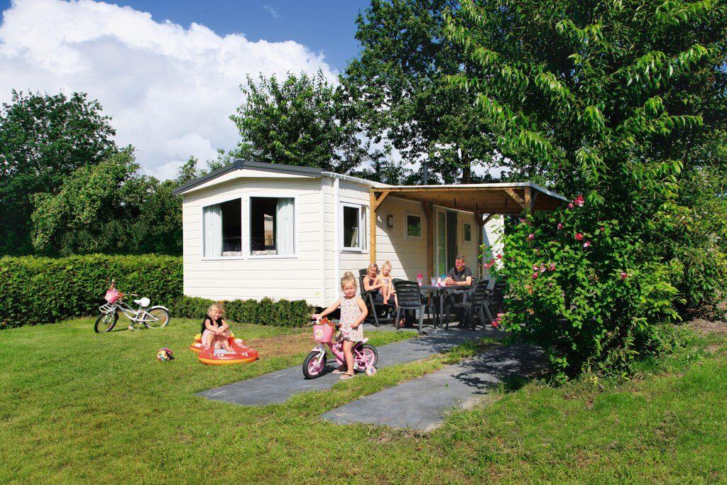 Stacaravan basic plus accommodatie Camping Heino