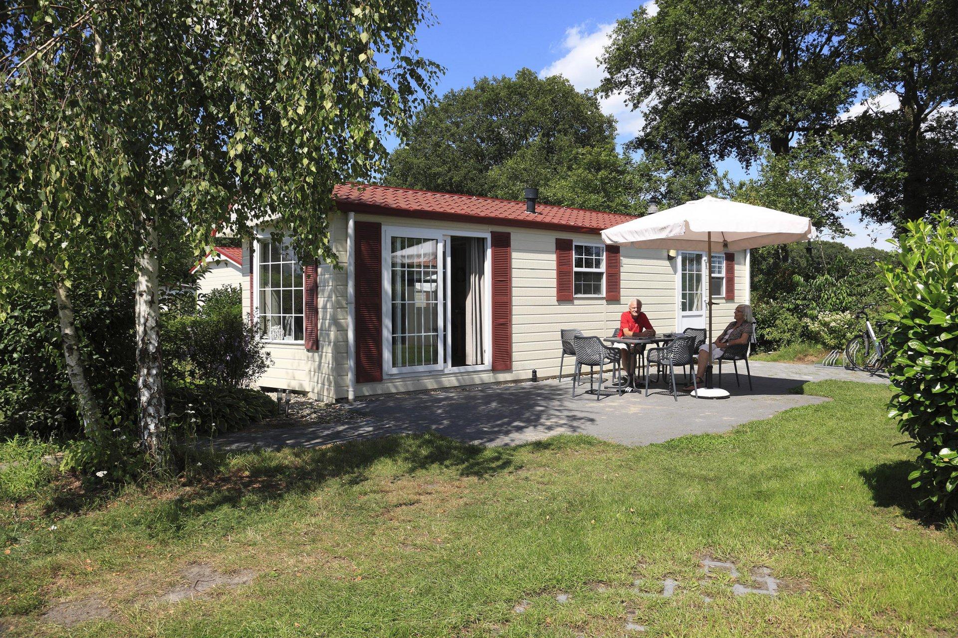 Chalet basic accommodatie Camping Heino