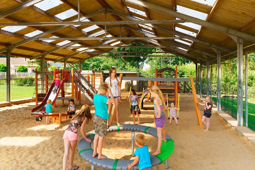 Overdekte speeltuin in Overijssel op Camping Heino