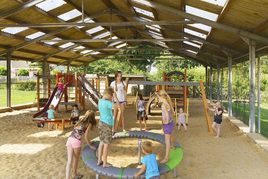 faciliteiten - overdekte speeltuin - spelen - kinderen - Camping Heino