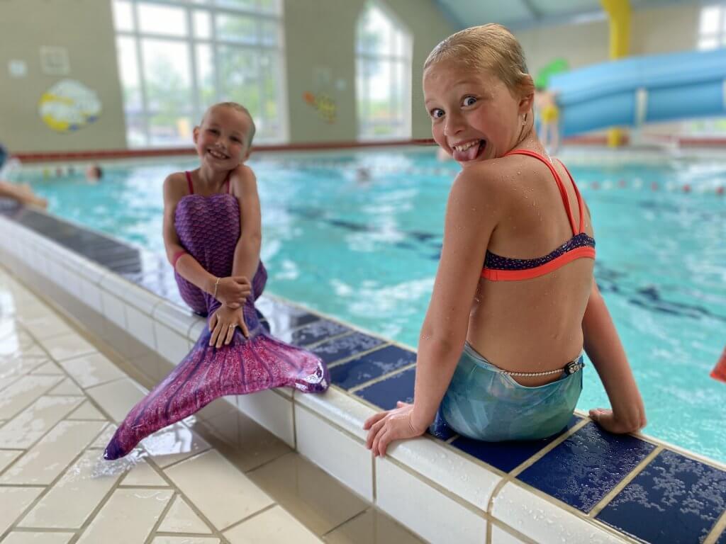 Meivakantie - overdekt zwembad - glijbaan - kinderen