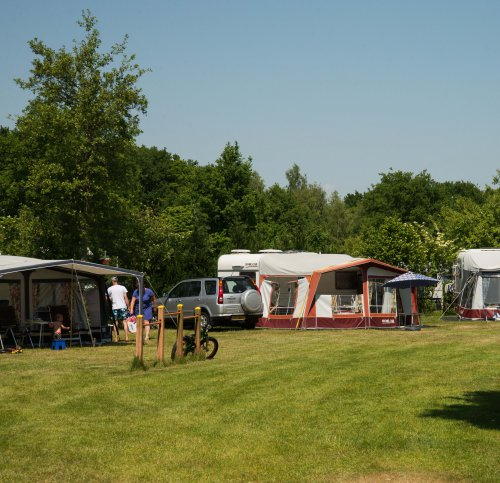 Voorseizoen kampeerplaats