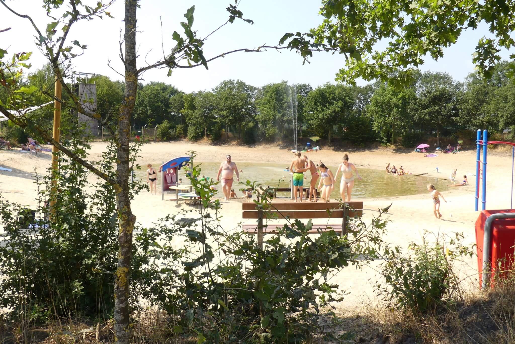 Kleine recreatieplas in Overijssel met kinderen