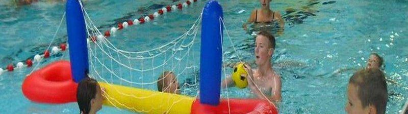 Camping zwembad met glijbaan